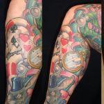 b634_jambe_alice_au_pays_des_merveille_tatouage_photo_greg